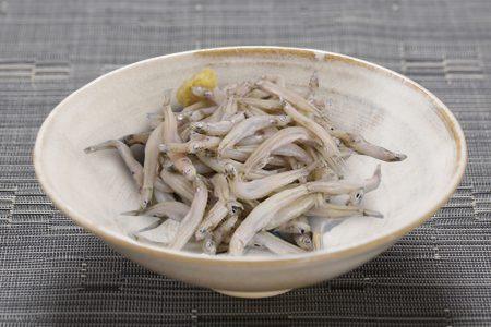氷魚<br>「繊細な味わい、鮎の稚魚。琵琶湖の冬の特産品」